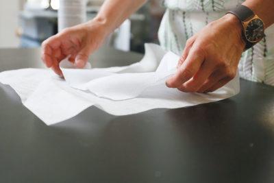 Tear away backgin embroidery stabiliser